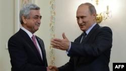 Серж Саргсян (слева) и Владимир Путин (архив)