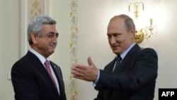 Президенты России и Армении Владимир Путин и Серж Саргсян
