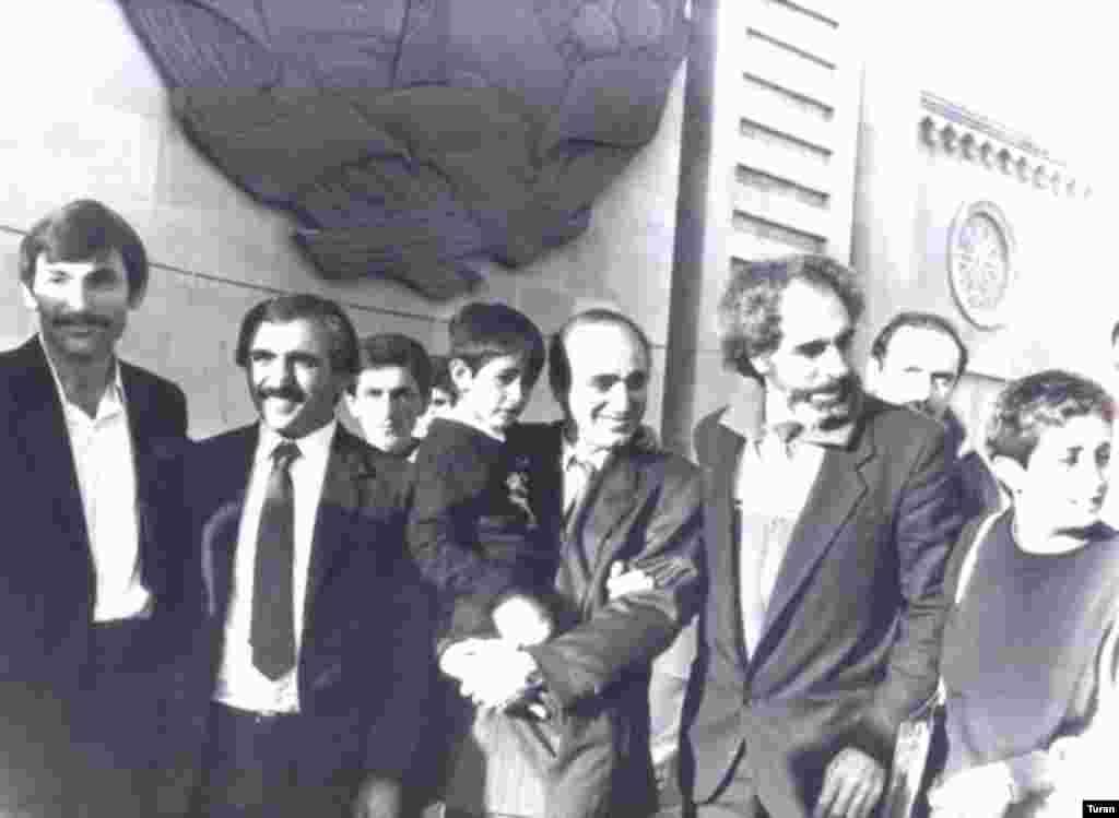 Əbülfəz Elçibəy Azadlıq meydanında