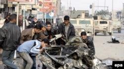 Насилию не видно конца. На месте взрыва бомбы в Багдаде