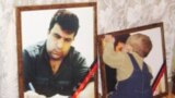Elmar Hüseynov 2005-ci il martın 2-də yaşadığı mənzilin qarşısında odlu silahdan qətlə yetirilib