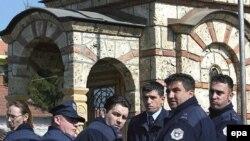 Policët e suspenduar serbë