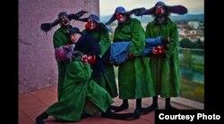 Гарик Черняховский в объятиях группы Славы Полунина