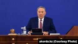 Казакстандын президенти Нурсултан Назарбаев өлкөнү 30 жылдан бери башкарып келе жатат.
