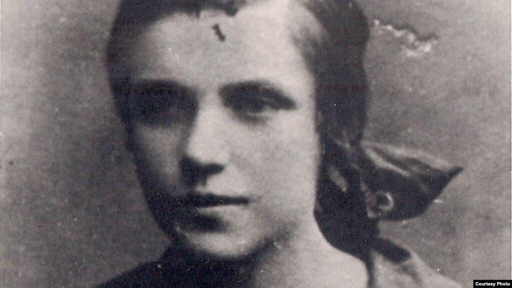 Ларыса Геніюш, 1928 год