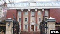 Бывшее здание Конституционного суда, Бишкек, 2 марта 2010 года.