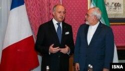 Ministri i Jashtëm francez Laurent Fabius dhe homologu i tij iranian Mohammad Javad Zarif