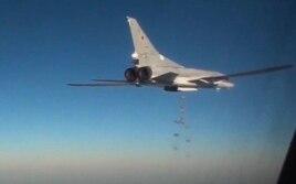 Российский бомбардировщик Tу-22M3 на боевом задании в Сирии. Февраль 2016 года