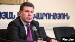 Министр охраны природы Армении Арам Арутюнян (архив)