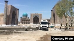 Uzbekistan - workers are working in Ragistan square of Samarkand city