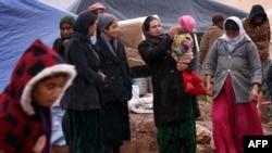 Жінки-переселенки з меншини єзидів, які втекли від нападів ісламістів