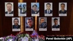 Tuga u Moskvi: Cveće u znak sećanja na poginule novinare u ruskom avionu