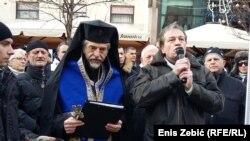 Samoproglašeni arhiepiskop Aleksandar i Marko Jurič na skupu u centru Zagreba
