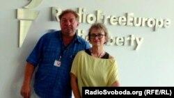 Олександр Ігнатуша та Людмила Ваннек після інтерв'ю у празькому бюро Радіо Свобода