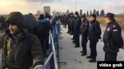 Мігранти зібралися на кордоні між Сербією та Хорватією, 14 листопада