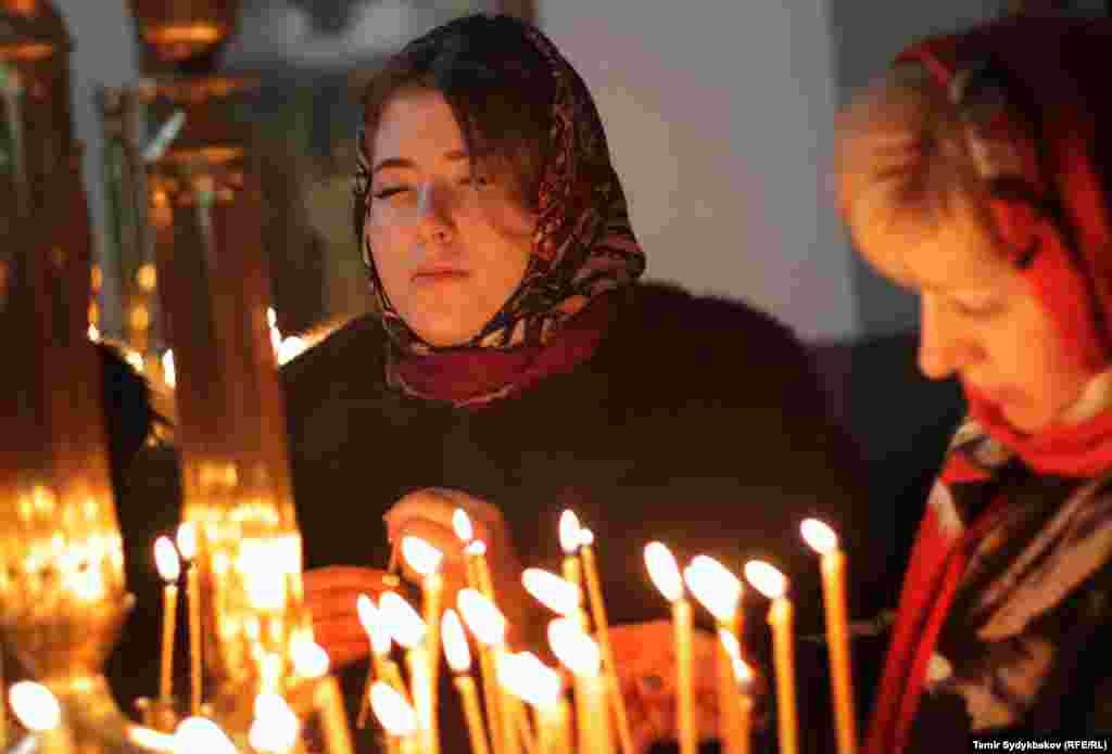 Рождество Христово - один из главных христианских праздников. Иерусалимская, Русская, Грузинская, Сербская, и Польская православные церкви празднуют 7 января по юлианскому календарю.