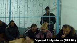 Суратда: суд қора курсисида Шамшидин Ниёзалиев