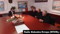Архивска фотографија - Градоначалник на Струга Зиадин Села ое сретна со претставници на Македонската православна црква.