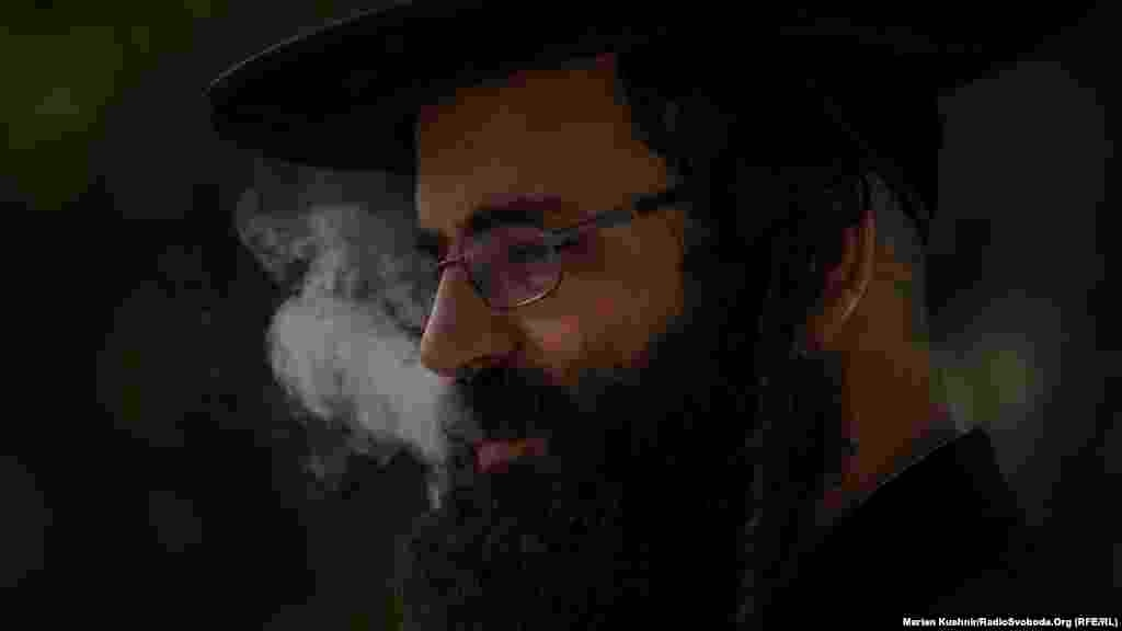 Tradition dictates that a Hasidic Jew should come to the grave of Reb Nachman at least once, preferably at New Year.