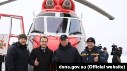 Україна отримала гелікоптер у рамках створення системи авіаційної безпеки МВС