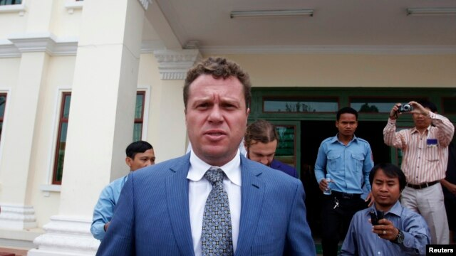 Russian real-estate tycoon Sergei Polonsky leaves the appeals court after a hearing in Phnom Penh on January 9.