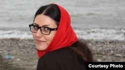 گلرخ ابراهیمی ایرایی، نویسنده و فعال حقوق بشر ایرانی