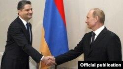 Russia -- Prime Minister Vladimir Putin (R) meets with his visiting Armenian counterpart, Tigran Sarkisian, in Saint Petersburg, 22Dec2010.