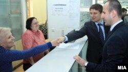 Министерот за информатичко општество и администрација Иво Ивановски.