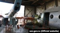 В цеху Севастопольского авиационного предприятия, июль 2018 года