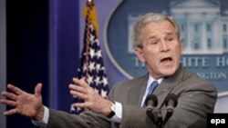 آقای بوش در کنفرانس خبری اخیر بر علاقه اش بر ورزش تاکید کرد. (عکس از epa)
