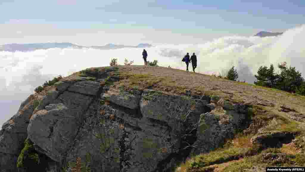 Şimaliy Demircide. Onıñ öksekligi - deñiz seviyesinden 1356 metr