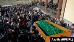 Crimean Tatars Bury 'Tortured' Protester