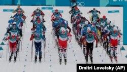 Учасники змагань зі скіатлону на старті олімпійської траси, 11 лютого 2018 року