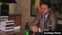 Сайдаев рассказал, что молодые чеченцы из Панкисского ущелья Грузии и с Северного Кавказа и сейчас принимают участие в военных действиях на стороне оппозиции в Сирии, фактически оставаясь марионетками в руках иностранных спецслужб