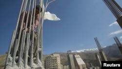 یک کارگر ساختمان در تهران