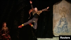 "Then a Bolshoi soloist, Sergei Filin, dances in Malta at a performance of Tchaikovsky's ""Swan Lake"" in 2007."