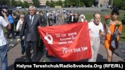 Під час відзначення Дня Перемоги у Львові, 9 травня 2013 року