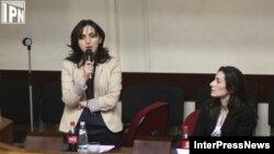 «На растерзание» оппозиционерам главами ведомств были присланы дамы, их заместители – Тинатин Бурджалиани и Эка Згуладзе