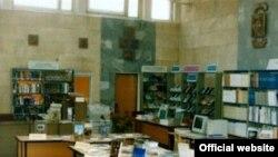 В этой санкт-петербургской библиотеке книги, скорее всего, не уничтожают. В отличие от многих других библиотек России