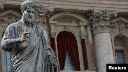 Վատիկան - Սուրբ Պետրոսի տաճարը Հռոմի պապի ընտրության նախօրեին, 11-ը մարտի, 2013թ.