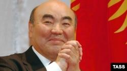 Президент Кыргызстана Аскар Акаев на церемонии открытия Дней культуры Кыргызстана в России 23 сентября 2003 года.