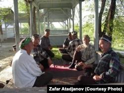 Ұйғыр ақсақалдары. Қырғызстан, 25 наурыз 2007 жыл. (Көрнекі сурет)