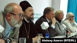 Карикатураға байланысты жиынға қатысушылар. Алматы. 23 қаңтар 2013 жыл.