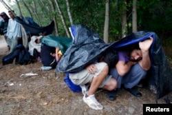 Migranți ilegali din Siria lîngă Asotthalom