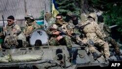 Солдаты украинской армии. Волноваха, 22 мая 2014 года.