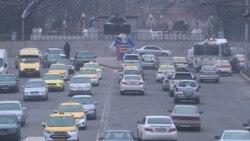 Таксиҳои куҳнаро аз кӯчаҳои Душанбе тоза мекунанд