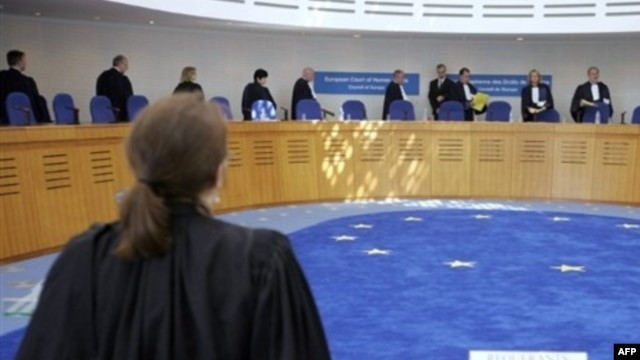 The European Court of Human Rights in Strasbourg already rejects approximately 90 percent of all applications due to inadmissibility.