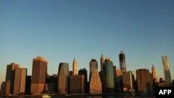 نمایی از شهر نیویورک، جایی که بزرگترین بازار بورس از نظر میزان معاملات و حجم سرمایه را در خود جای داده است