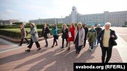 Актывісткі руху «Маці-328» ля Палаты прадстаўнікоў