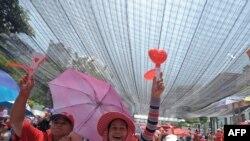 """""""Кызыл көйнөкчөндөр"""" Бангкоктун борборук аянтында, 2009-жыл"""